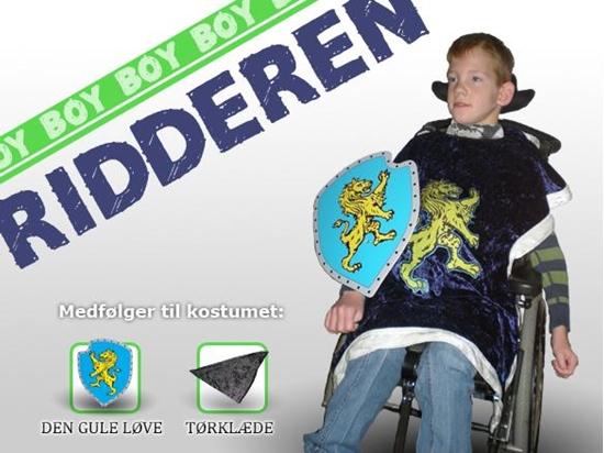 Billede af Ridderen. Kostume til kørestolsbruger