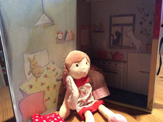 Billede af Dukke Olivia - lille stofdukke