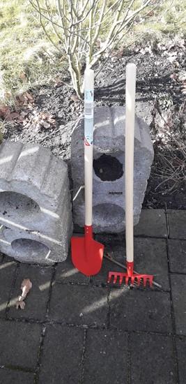 Billede af Have redskaber til   børn - 2 sæt,  rød