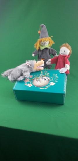 Billede af Hånd dukker i kuffert - Dreng, Heks og ulv